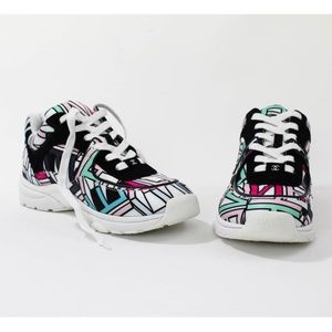 Chanel cc logo graffiti sneakers SS20